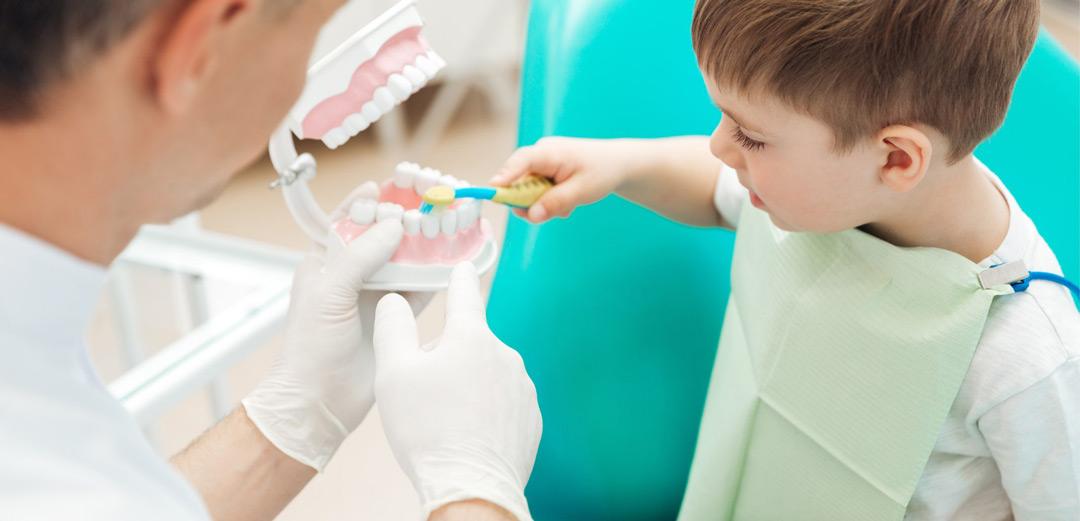 Igiene orale denti da latte - Dott.ssa Rosita Pascale | RP Odontoiatria | Dentista Castel San Giovanni